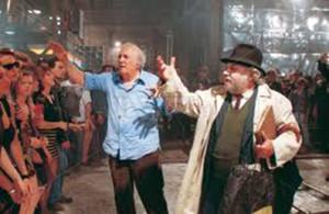 Fellini e Villaggio durante la lavorazione de La voce della luna, 1989
