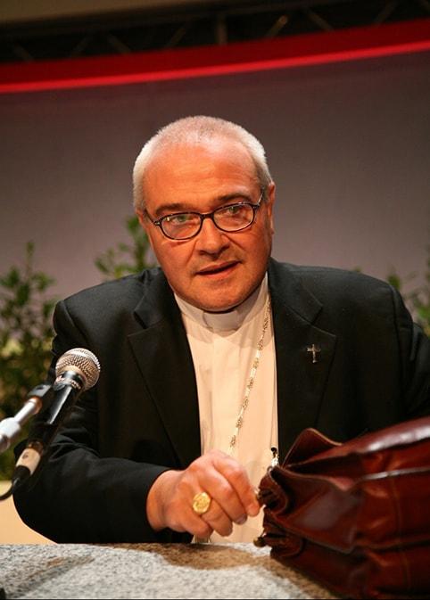 """Mons. Negri sul tema del Meeting di Cl: """"Perché tu sei un bene per me? Il dialogo richiede una identità forte e chiara"""""""