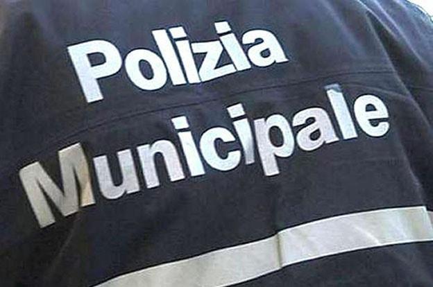Bufera sulla polizia municipale di Rimini: 8 vigili urbani indagati, 4 agli arresti domiciliari