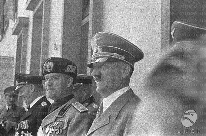 Se la festa dell'accoglienza turistica rivolta ai tedeschi cade nel giorno del patto d'acciaio nazi-fascista