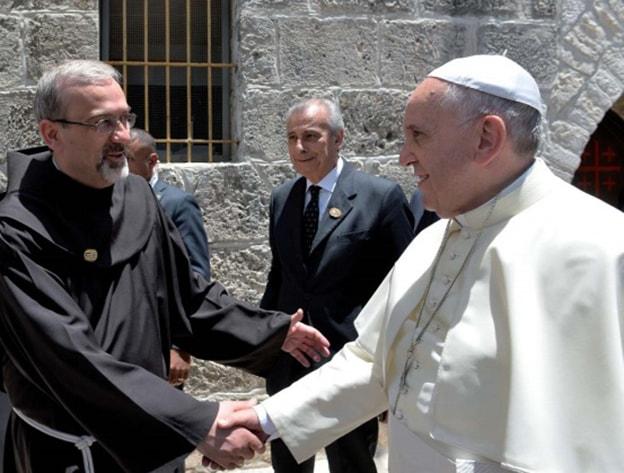 """Padre Pizzaballa: """"Stare con Cristo significa anche portare la croce"""""""