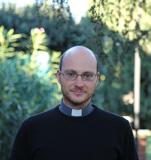 Stefano Tenti di Cattolica domani viene ordinato sacerdote per la Fraternità San Carlo