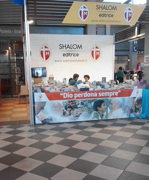 """La rivolta dei lettori della casa editrice Shalom al Meeting: """"Vergognatevi, avete nascosto la Madonna!"""""""