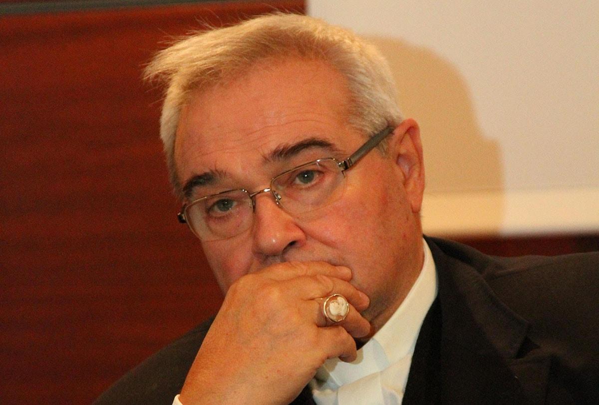 """""""Gravi responsabilità dentro e fuori il Vaticano per le dimissioni di Benedetto XVI"""". Parla mons. Negri"""