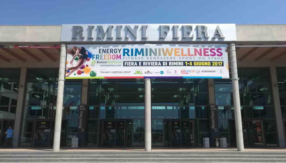 Il ministro Lotti mostra i muscoli a RiminiWellness