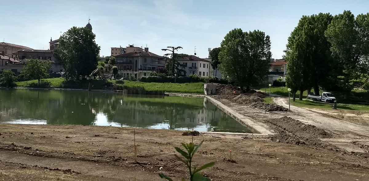 """""""Piazza sull'acqua"""": costi lievitati di 150mila euro"""