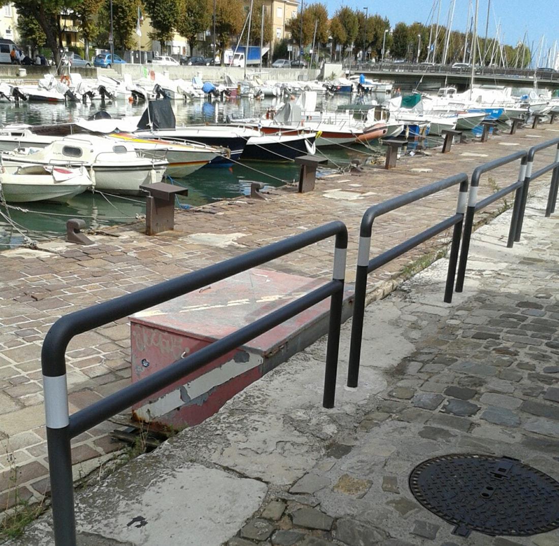 """La lettera: """"Bucate anche le storiche banchine del porto canale"""""""