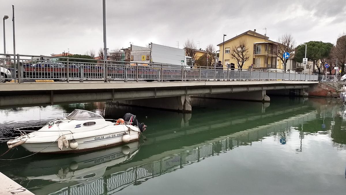 """""""L'ingresso alla città dall'acqua e l'importanza di alzare il ponte della Resistenza"""". Intervista a Ermete Dalprato"""