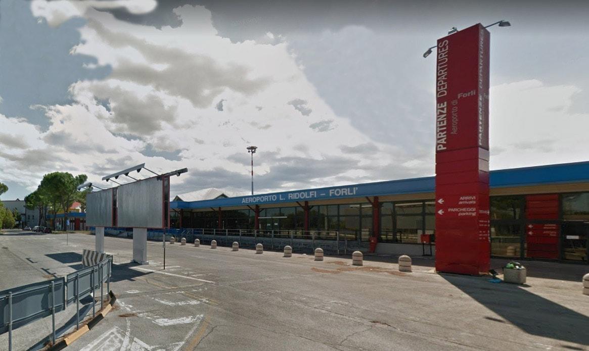 Dallo sbarco dei bolognesi alla nuova gara: quale futuro per l'aeroporto di Forlì?