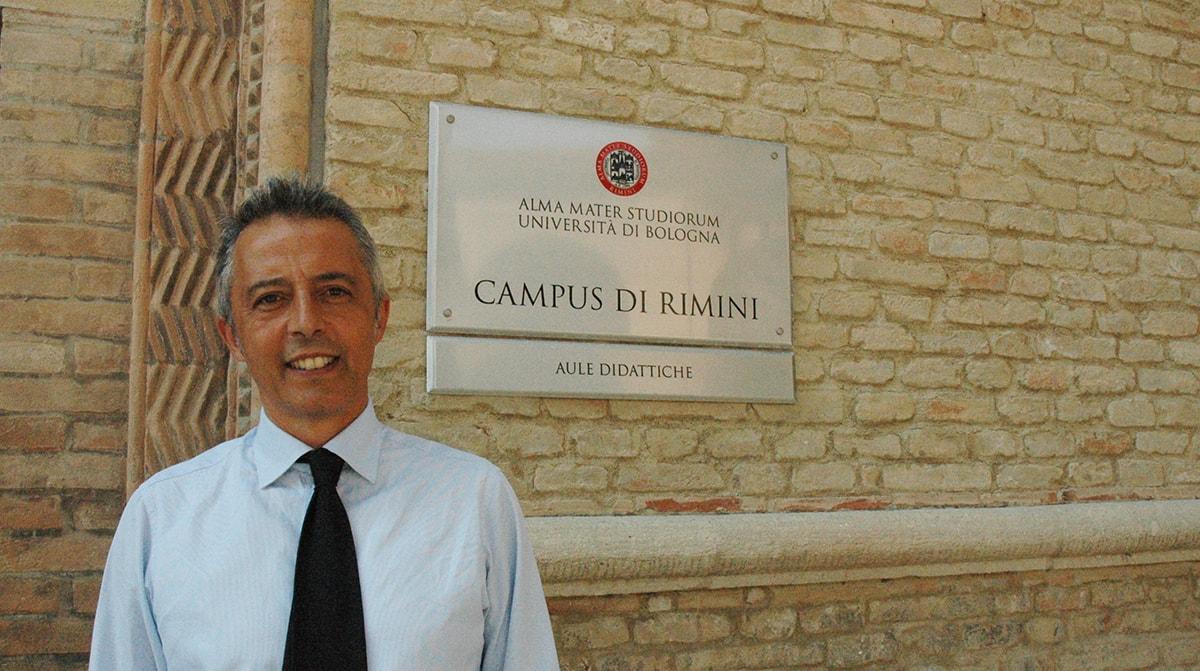 """Turismo: """"Rimini è ferma ai tempi delle mucillagini, con in più il peso degli anni"""""""