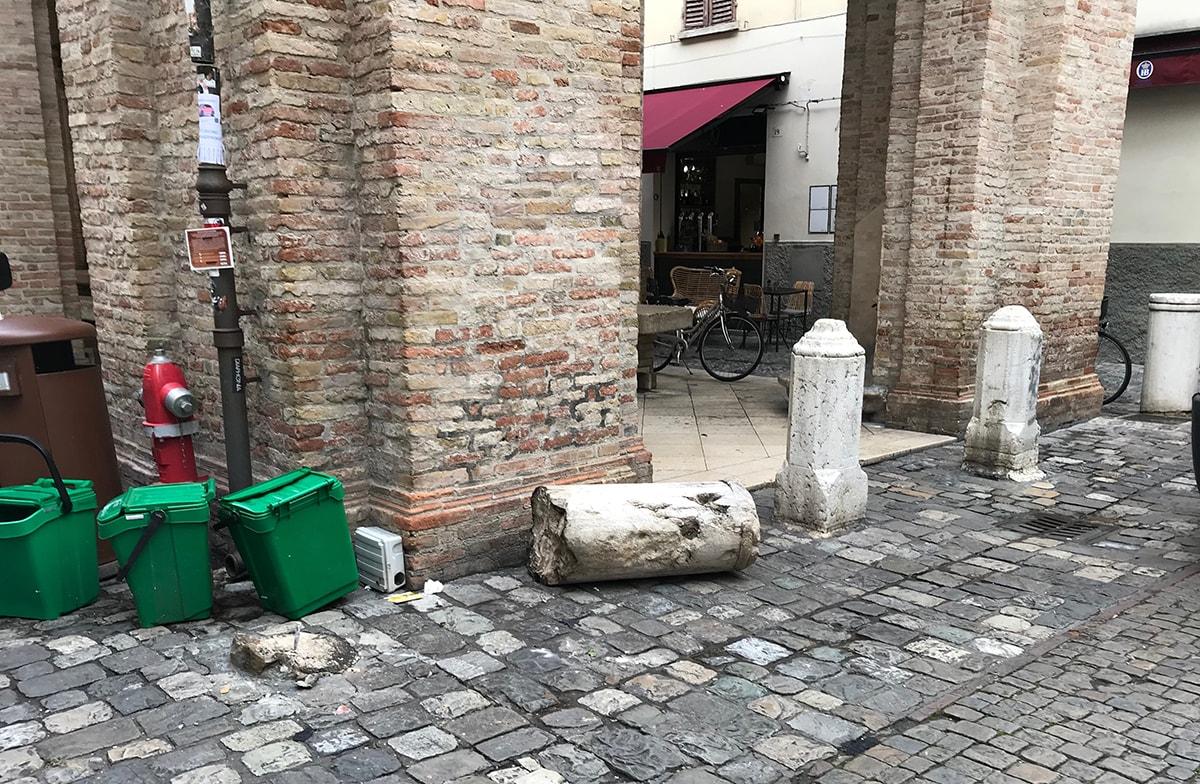 Il fittone abbattuto e il destino del centro storico