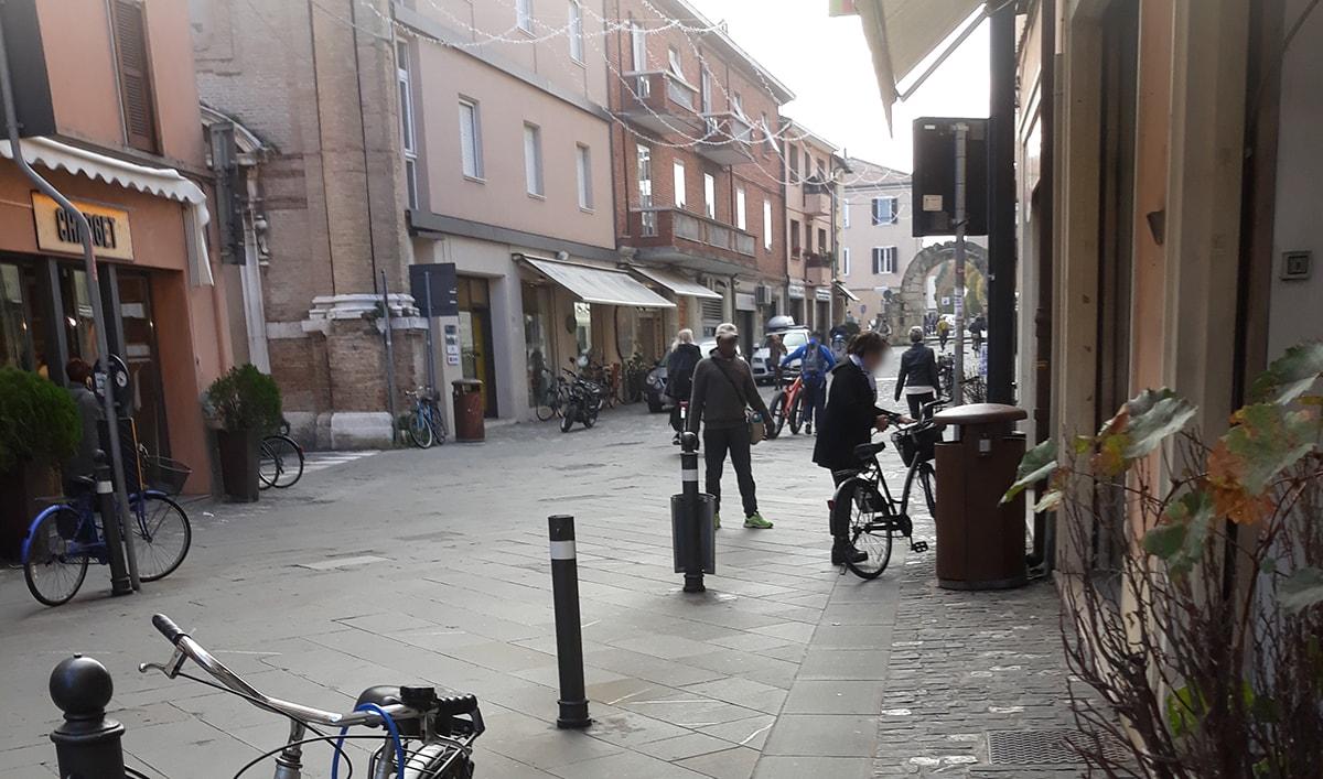 """""""Il problema del centro storico? Non certo gli artisti di strada"""""""