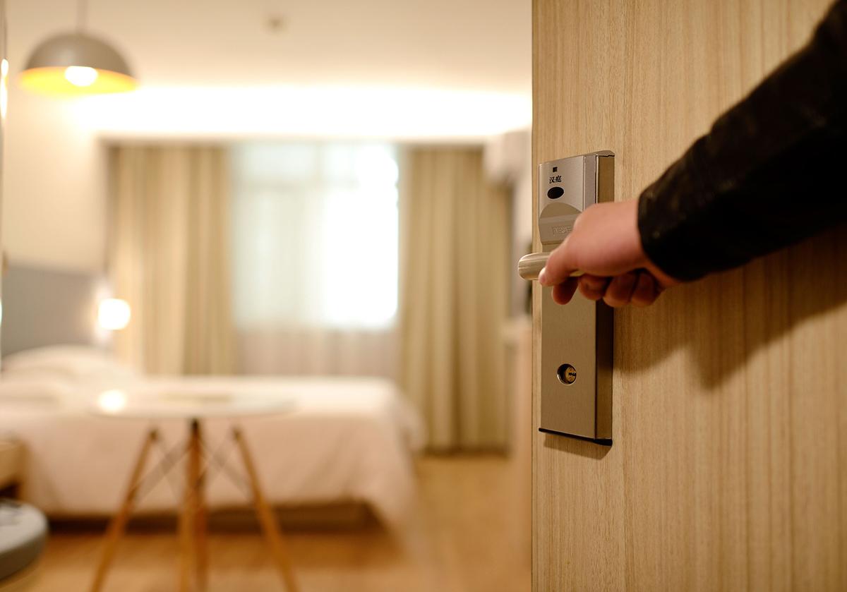 Tassa di soggiorno evasa: una ventina di albergatori indagati per peculato
