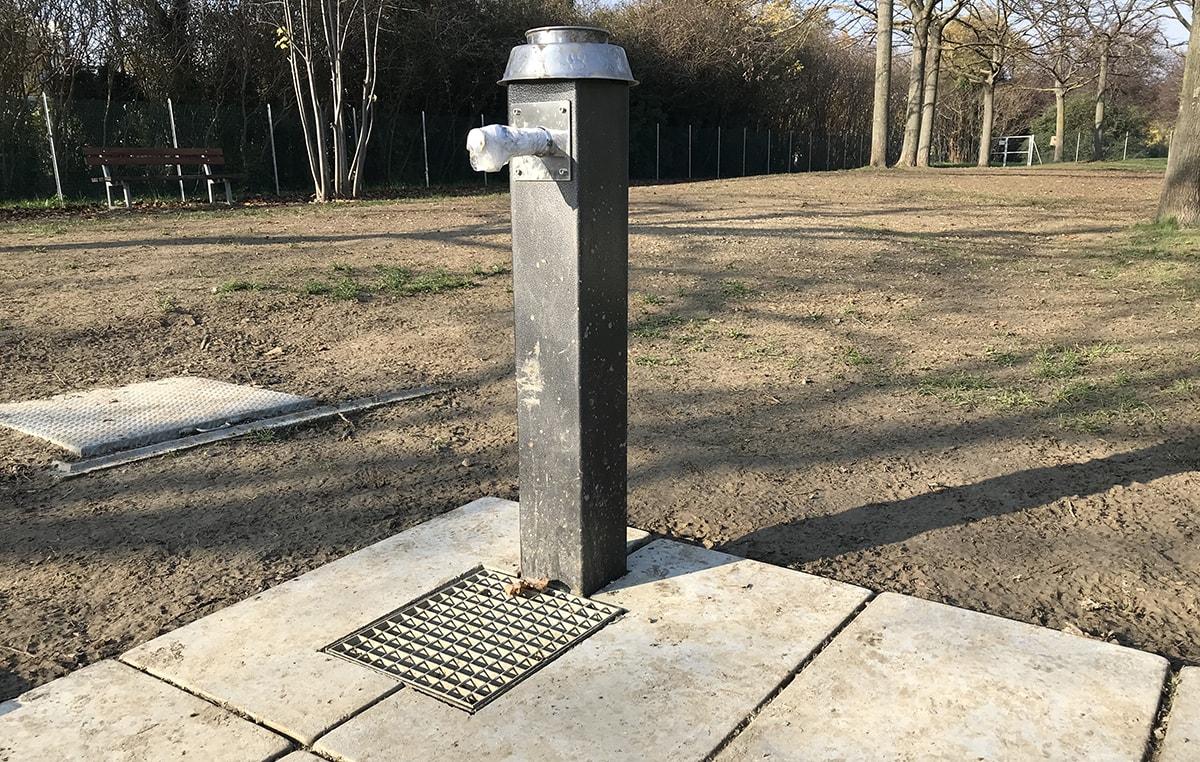 Non ha ancora l'acqua lo sgambatoio per cani ultimato da tre mesi nel parco Giovanni Paolo II