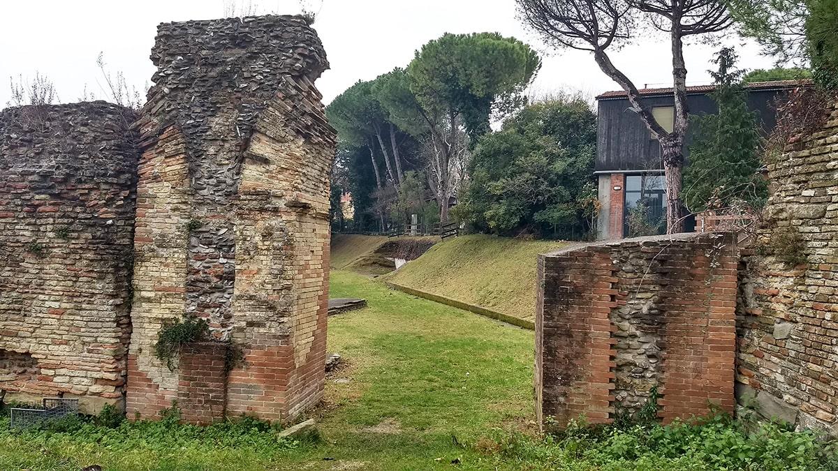 """""""Sotto il Ceis l'Anfiteatro c'è"""": intervista all'archeologa Maria Grazia Maioli"""