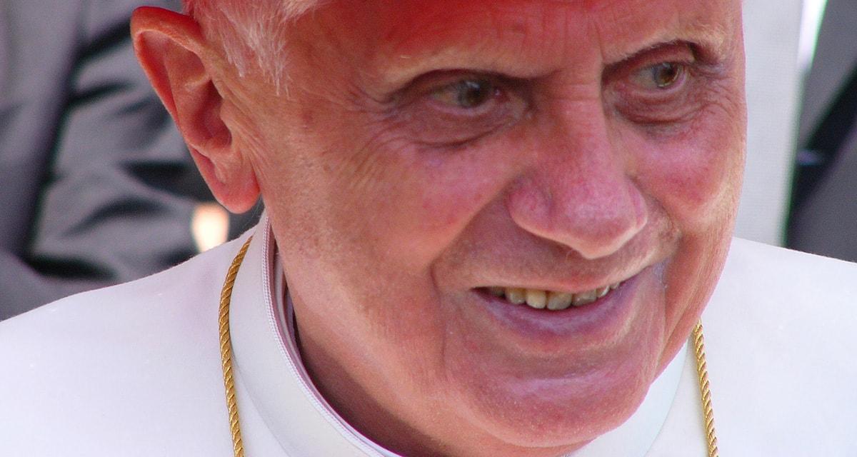 Clamoroso: sul sito della Diocesi di Rimini l'imam dà del provocatore a Benedetto XVI