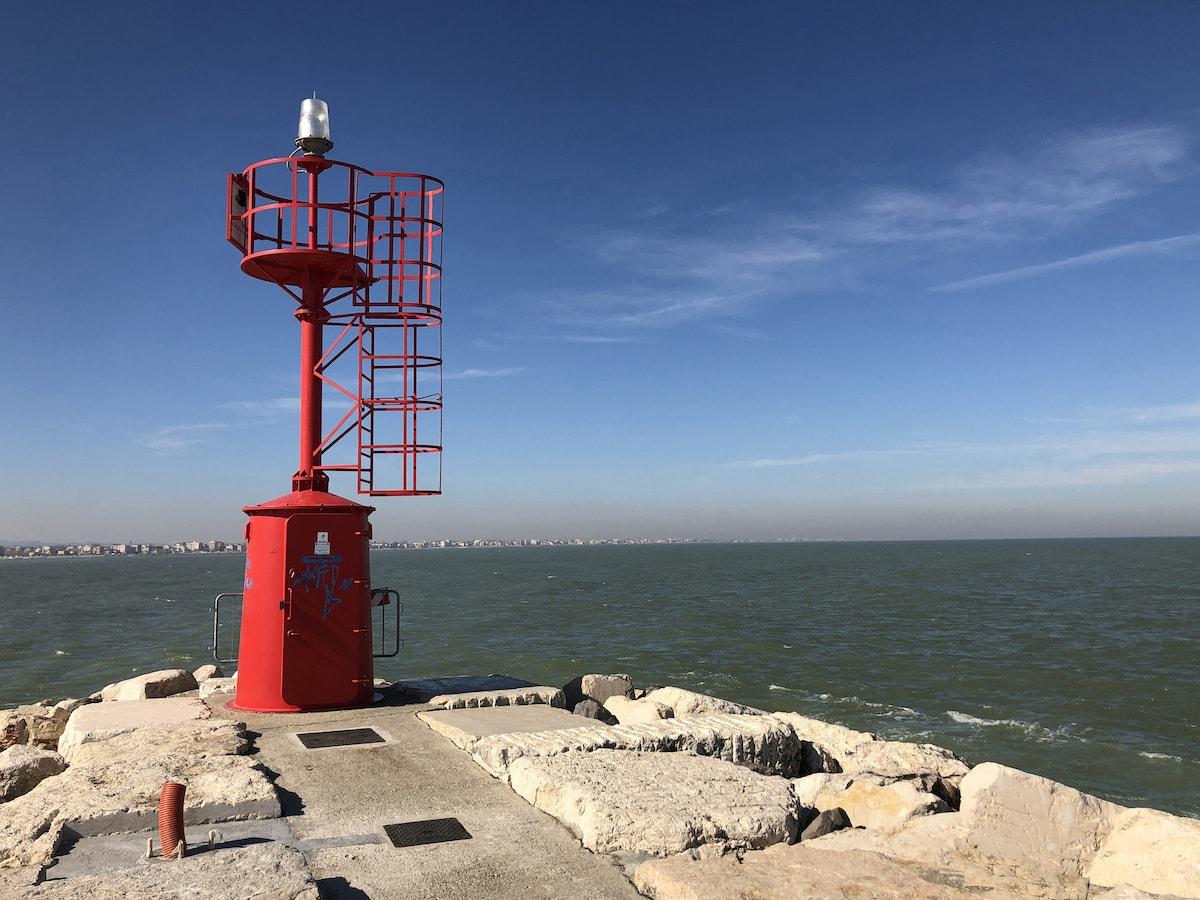 Sul porto di Rimini torna l'ammaliante sirena