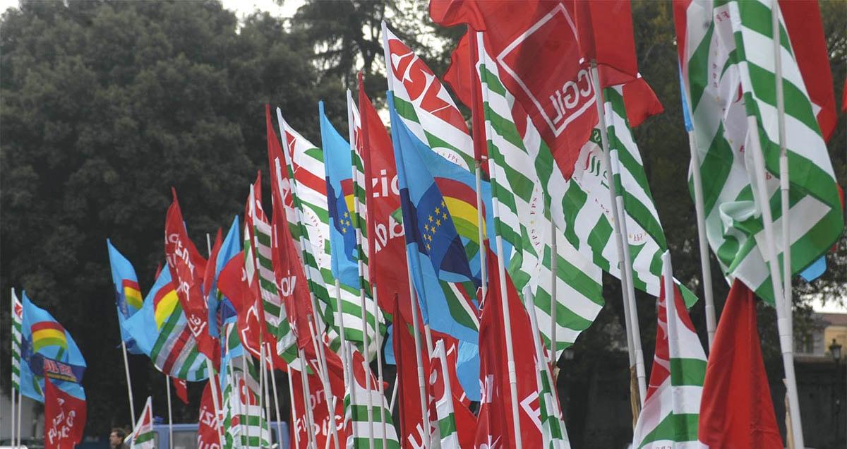 I sindacati in piazza contro il salasso Irpef