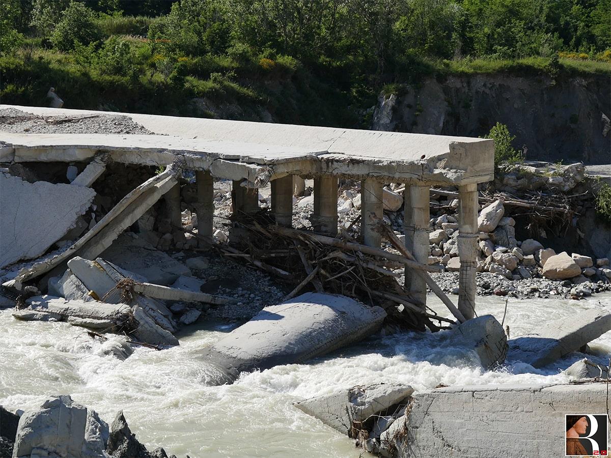 """Crollo """"briglia"""" del Marecchia: di chi sono le responsabilità del disastro?"""