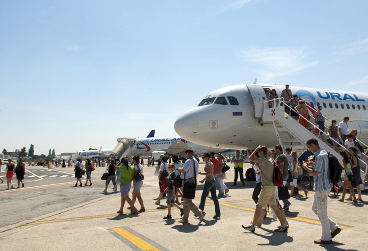 """Soldoni pubblici per nuovi voli sul """"Fellini"""""""
