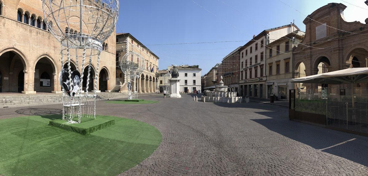 L'enigma di una Rimini surreale