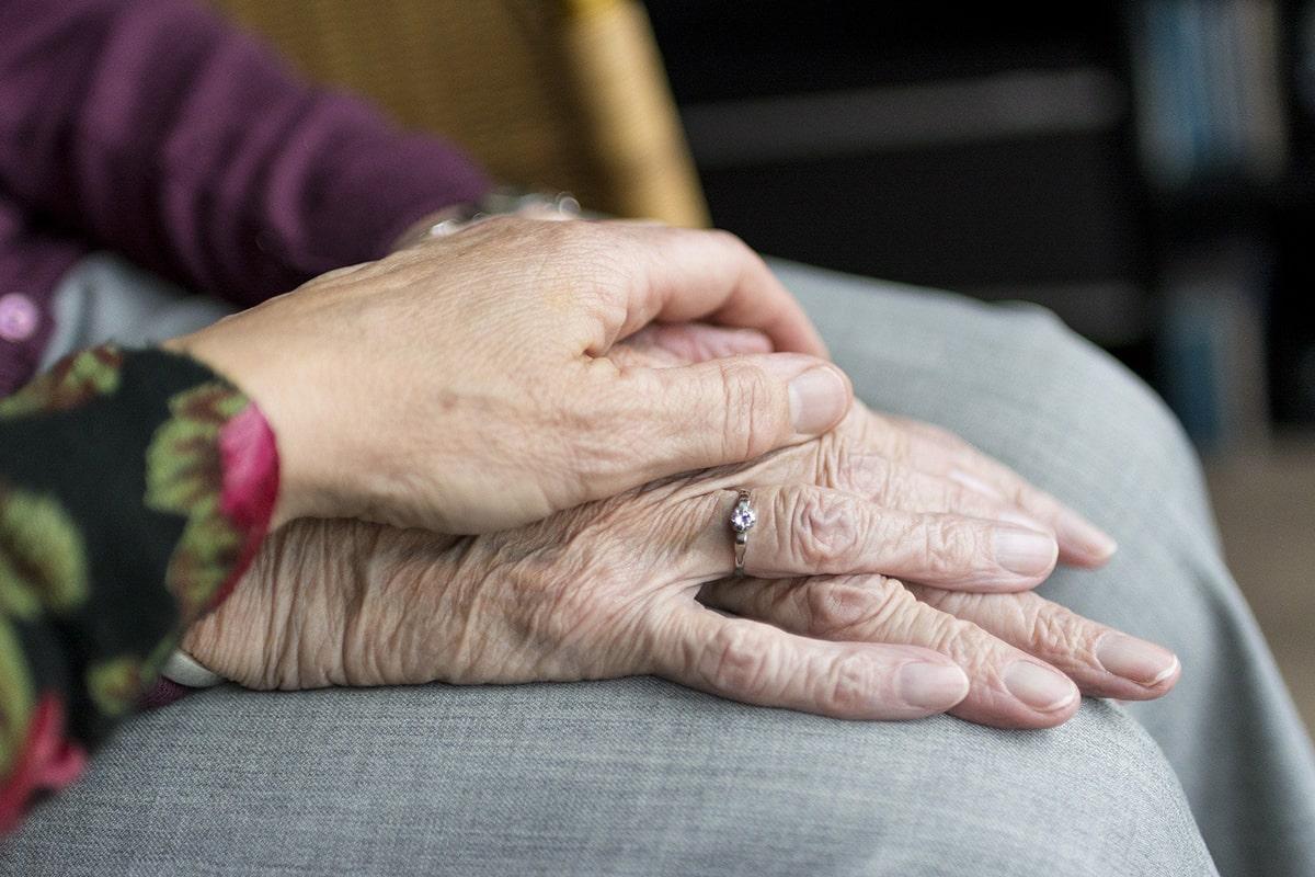 Nelle Cra della provincia di Rimini 143 contagi e 45 decessi fra gli anziani, 49 operatori infettati