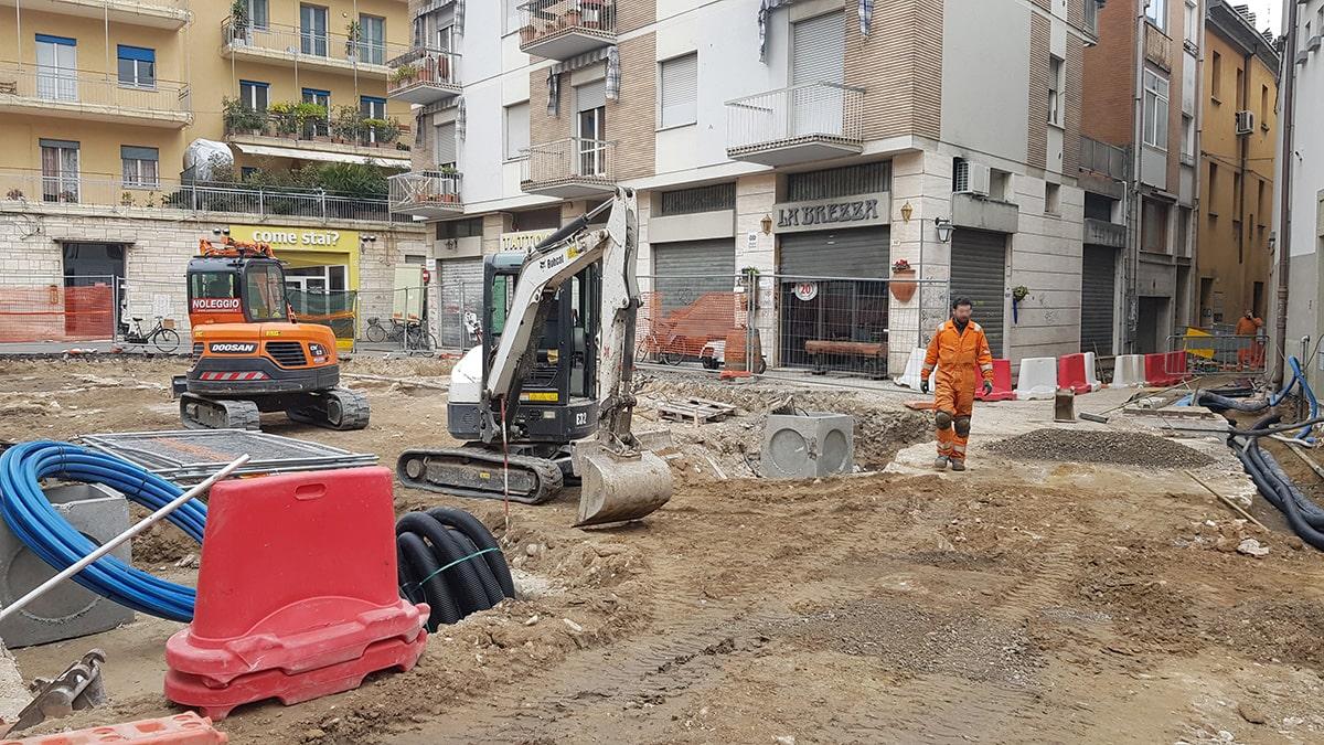 """Lavori in piazzetta San Martino: """"per quanto dovremo sopportare in silenzio?"""""""