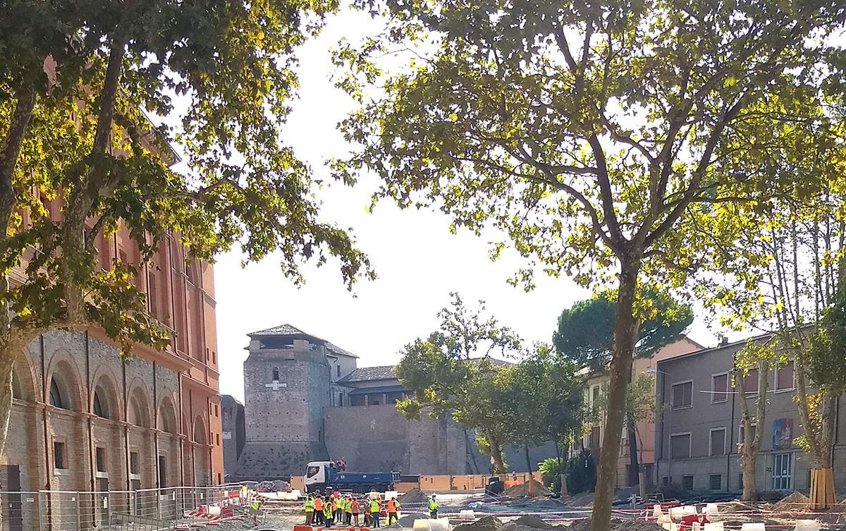 Ecco quali meraviglie stanno emergendo nel cantiere archeologico di piazza Malatesta