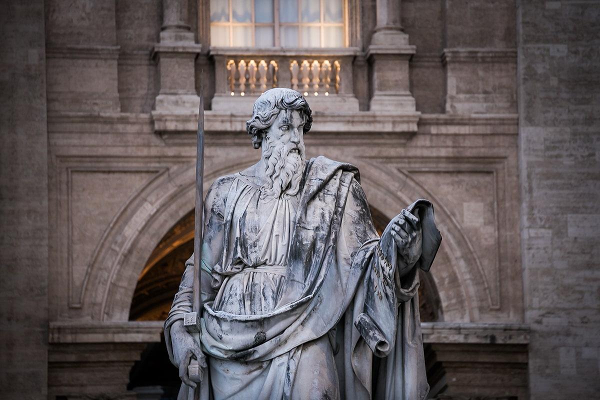 Don Carlo Rusconi: «dare a Cesare quel che è di Cesare? Non è mai lecito uniformarsi al mondo»
