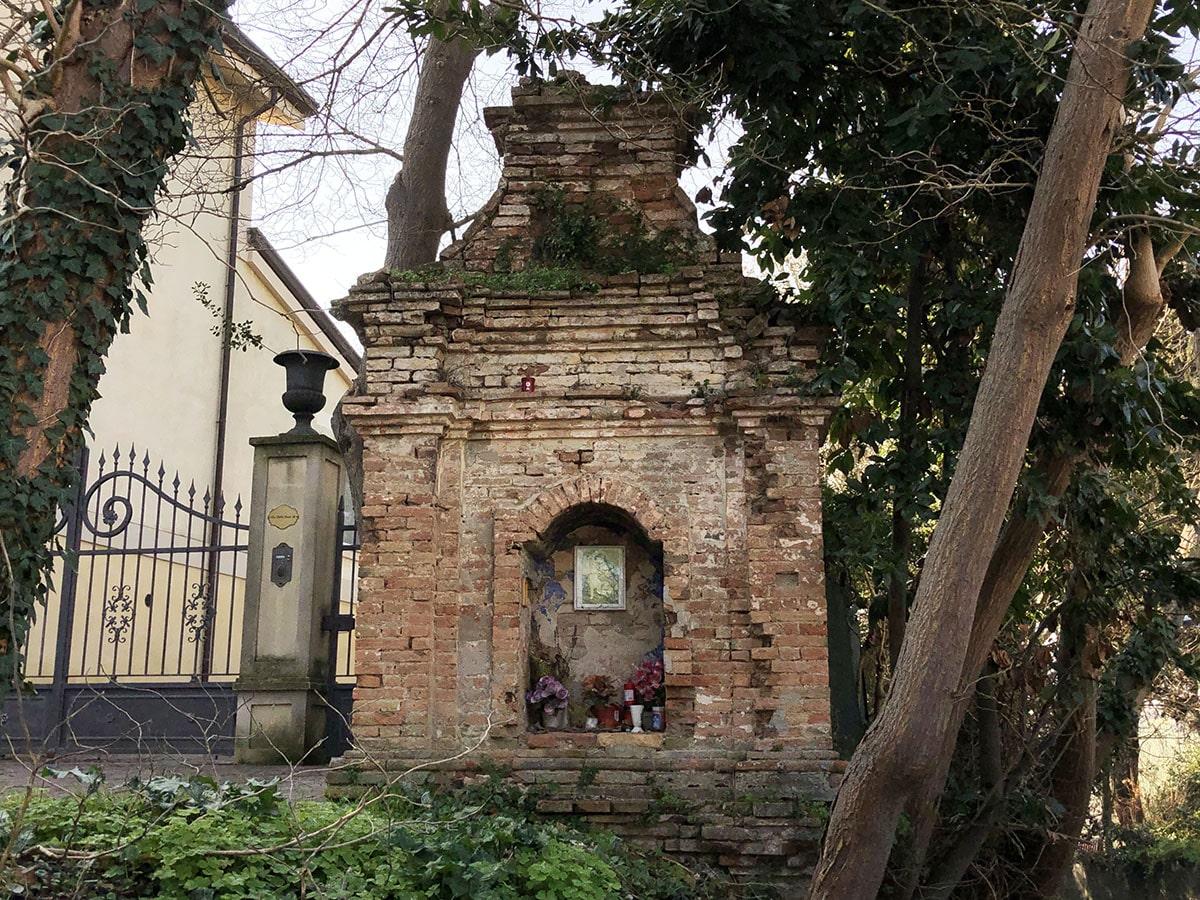 Il mistero della edicola votiva di Covignano