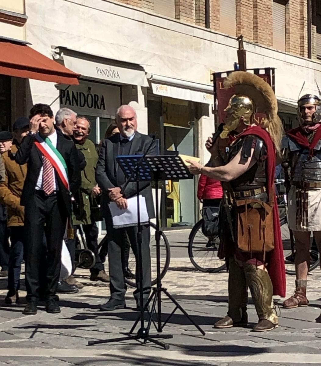 Il coordinatore di Aries: «Cesare deve tornare nell'antico Foro»