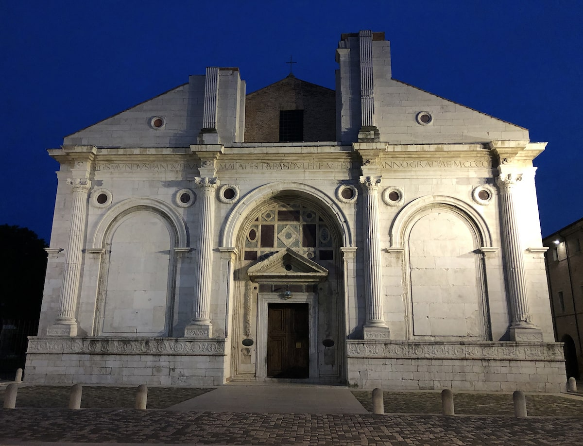 Tempio Malatestiano: c'è da rimanere di stucco