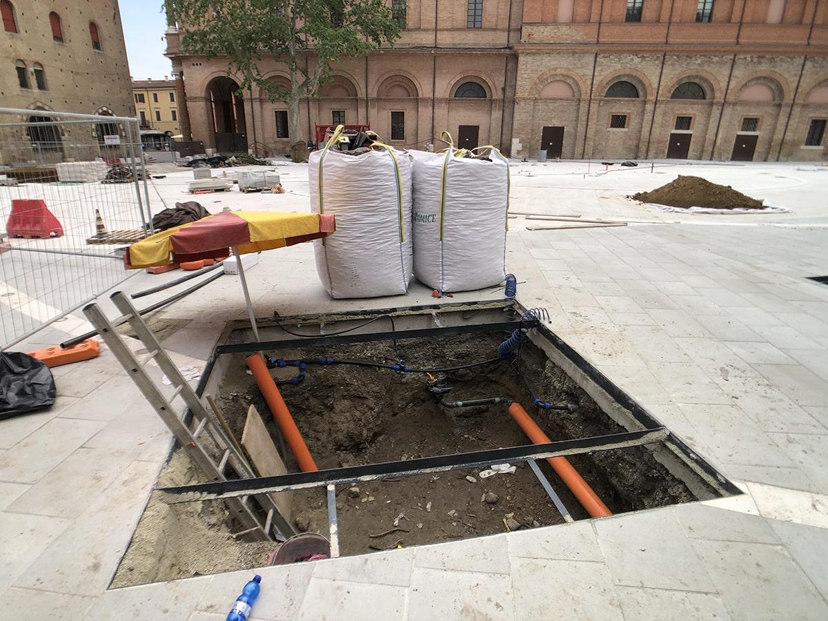 Nuovi platani in piazza Malatesta: «giganti dentro un vaso»
