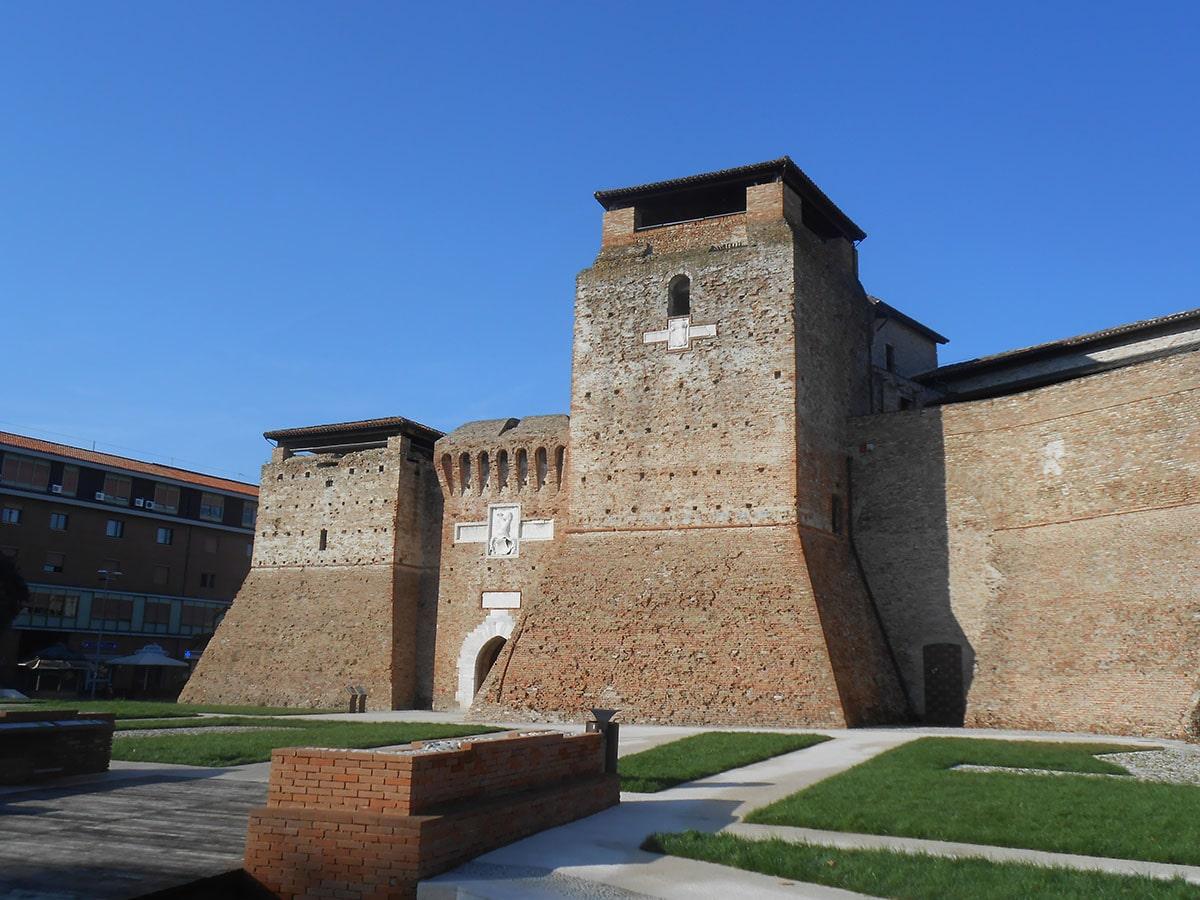 Pensieri e firme per Castel Sismondo