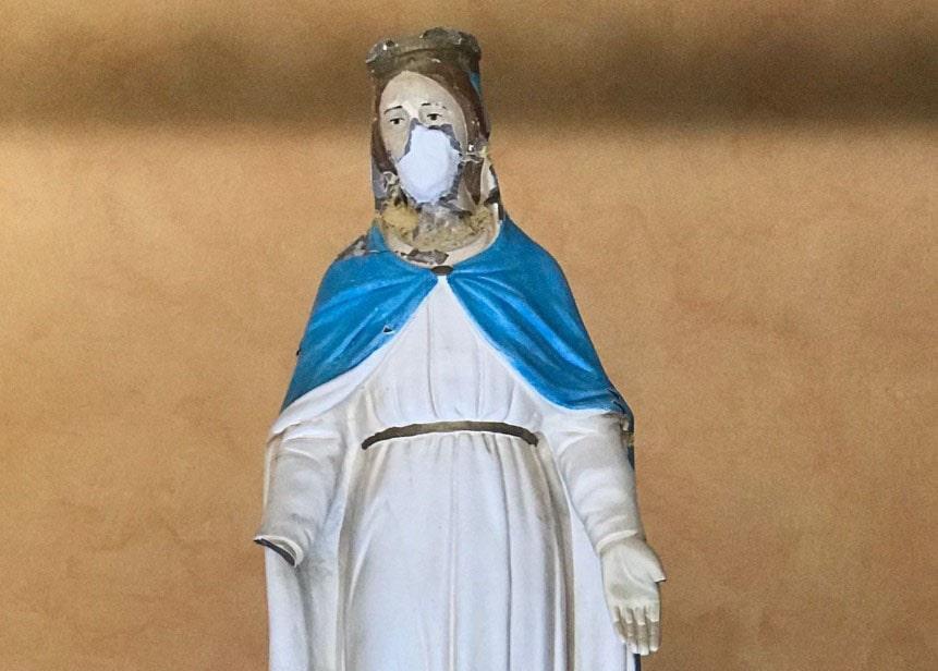 L'Appello all'umano si sposta davanti alla Cattedrale e con una presenza d'eccezione