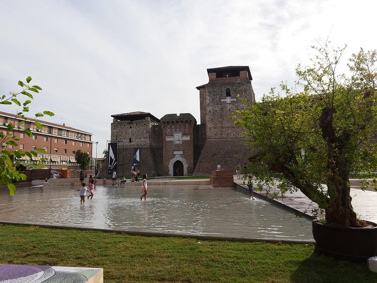 «Prima di realizzare una tale devastazione di piazza Malatesta sarebbe stato necessario un referendum»
